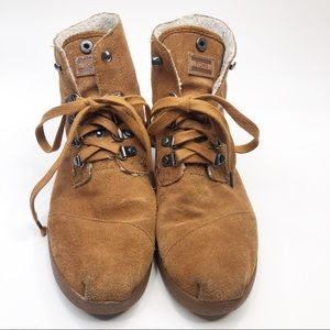 Toms Tan Highland Sherpa Lined Botas Booties